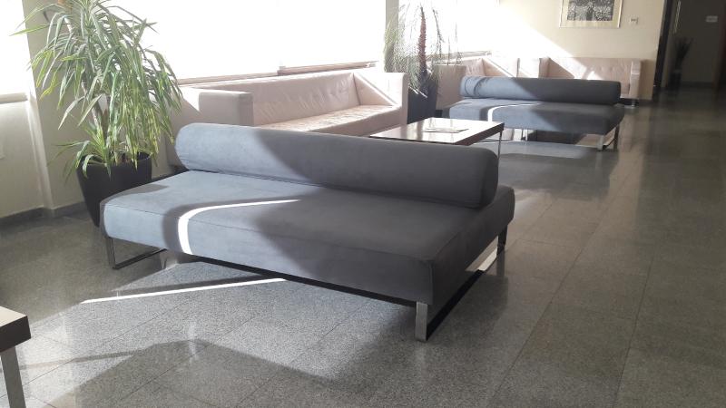 Tapizado de mobiliario para el tanatorio de isla cristina - Tapiceros en huelva ...