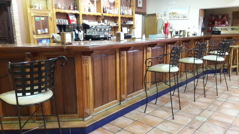 Balneario san andr s canena tapizado mobiliario y - Tapiceros en huelva ...
