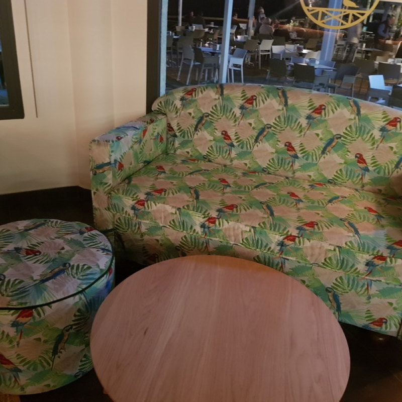 Tapizado mobiliario local de copas en nuevo portil huelva - Tapiceros en huelva ...