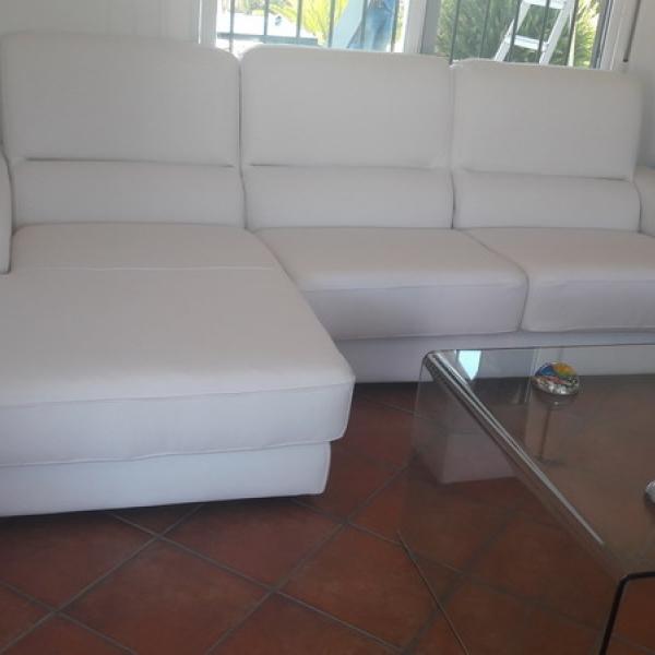 Tapizado de dos chaiselongue y sillón fabricado a medida