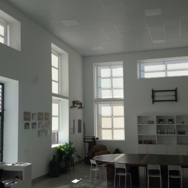 Confección e instalación de estores enrollables screen para Finca Las Manillas