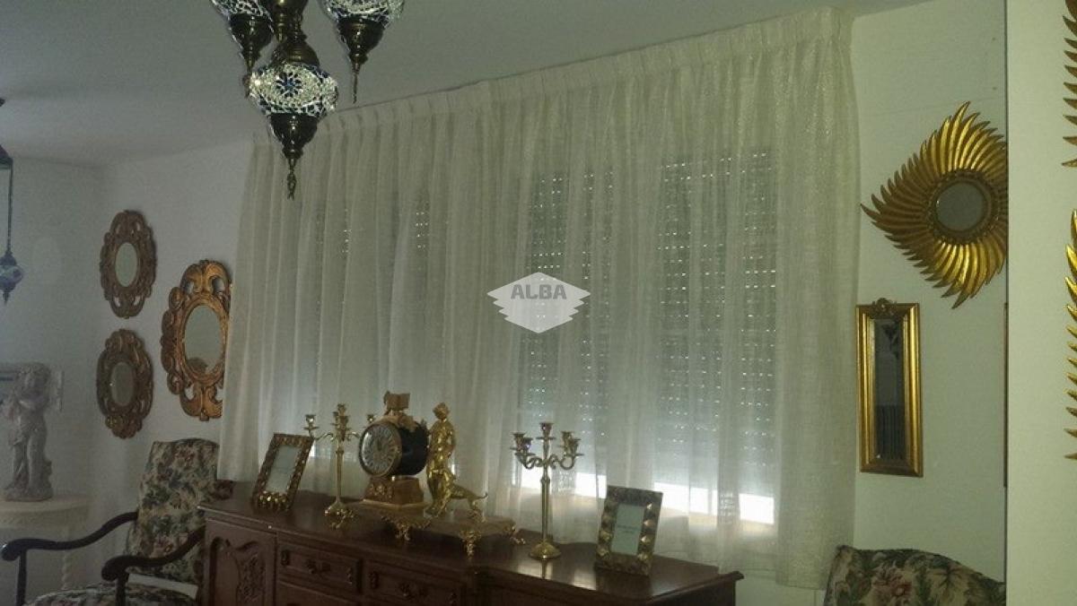 Confección a medida de todo tipo de cortinajes, visillos, bandós, ...