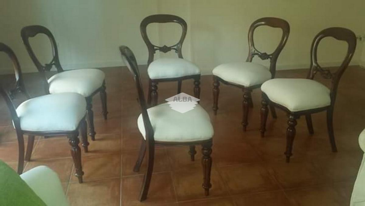 Tapizado de sillas, butacas, taburetes, ...