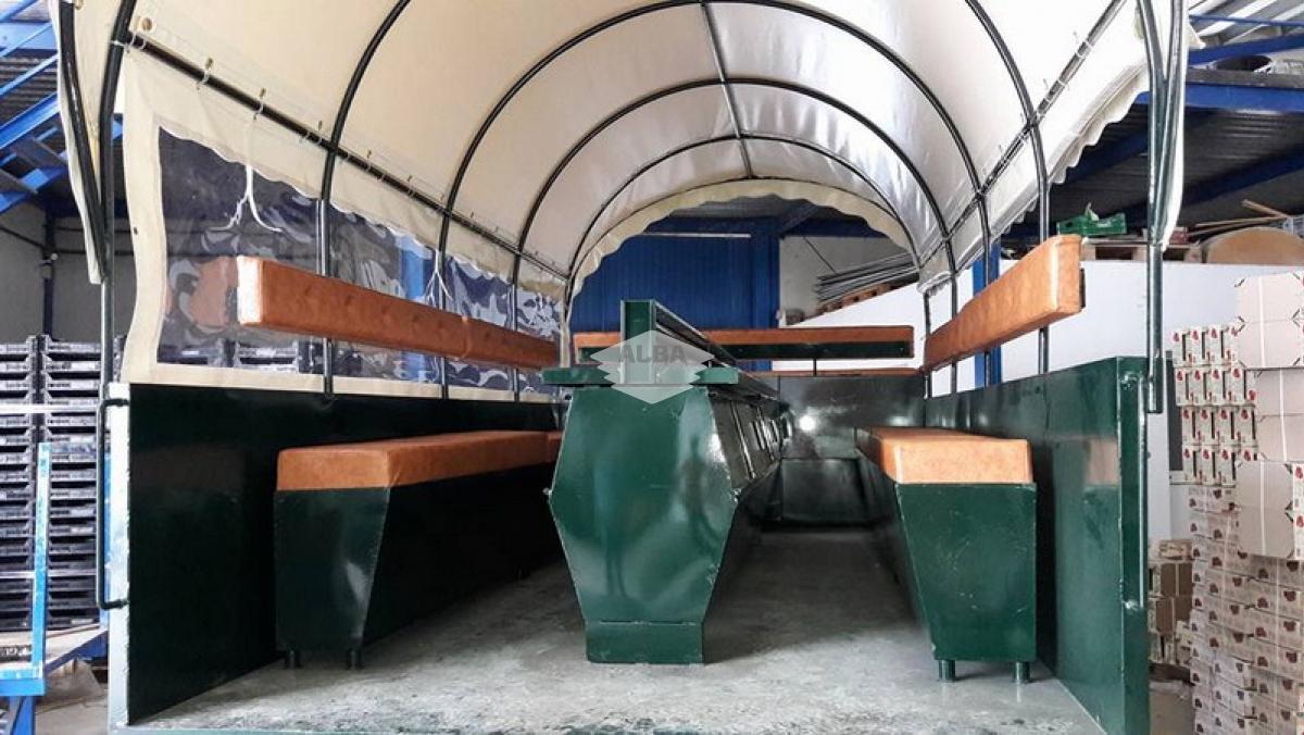 Tapizado de sillones de carro en resistente polipiel para 'El Rocío'
